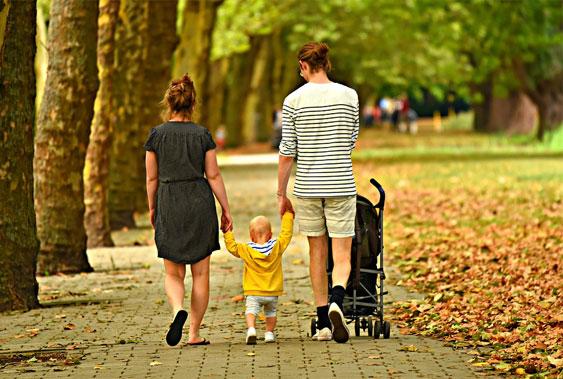 Mögliche Anzeichen einer Alpha-1 bedingten Lebererkrankung bei Kindern